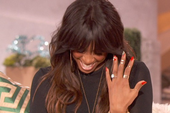 "Kelly Rowland Confirms Engagement- ""He Put A Ring On It!"""