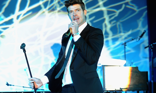 Lost Without You! Robin Thicke Efforts To Get His Girl Paula Patton Back!