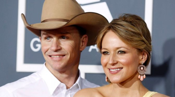 Singer Jewel and Ty Murray Addresses Fans Of Their Impending Divorce-An Amicable Ending