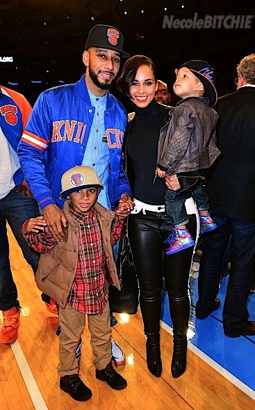 Alicia-Keys-and-Swizz-Beatz-at-the-Knicks-vs-Heat-Game