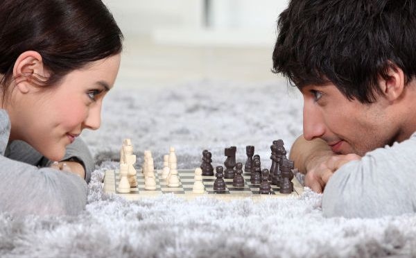 The #1 Thing Smart Women Do To Attract (And Keep) Amazing Men